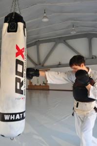 наработка ударов на боксерском мешке