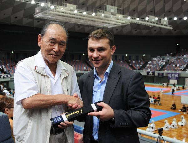 Hideo Doya and Guravlev