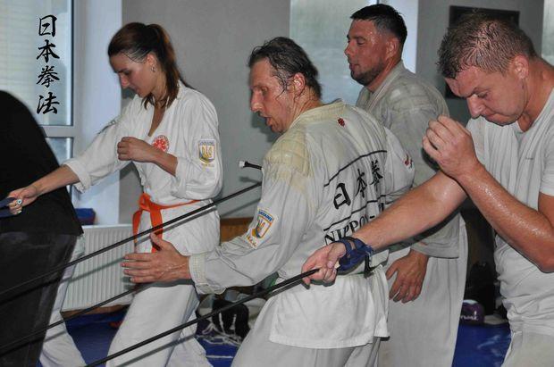 тренинг с резиновым жгутом
